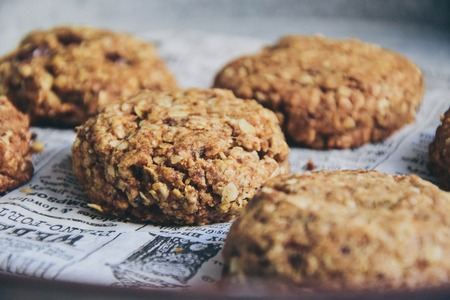 Next level oatmeal cookies with cinnamon that melt into your mouth